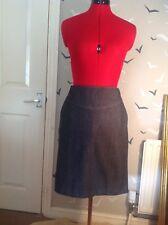 Bargain £9.99:Banana Republic skirt size 12 UK, 8 USA, work, business, smart VGC