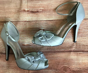 Audrey Brooks Silver Stiletto Heels Sz 9.5 M Bows Open Toe Wedding Formal Shoes