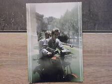 Carte Postale moto - Un couple sans casque sur YAMAHA