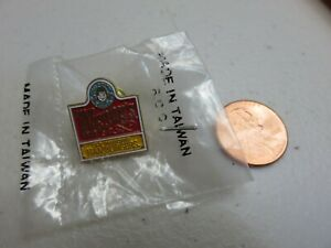 WENDY'S  Employee  Pin 1990s New in bag