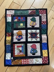 Sunbonnet Sue Sampler Country Quilt Wall Hanging - Quilted/Appliquéd