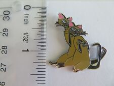 Disney Cats Si And Am Pin From The Movie Lady And The Tramp
