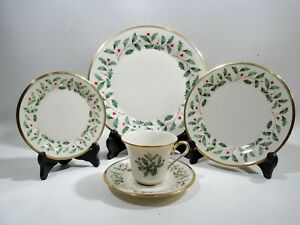 Lenox Christmas China Holiday Dimension 5 Pc Place Setting Holly