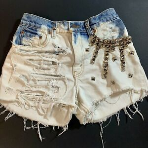Levi's 550 Women's Modified Jean Cutoff Shorts Relaxed Fit Bling Destroyed Sz 5