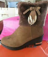WOMEN'S HIGH HEEL ANKLE BOOT, BROWN WITH FUR & GOLD TRIM SIZE: 38 M,(7.5US) NIB!