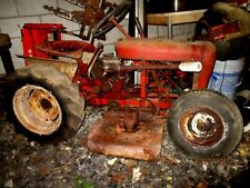 WHEEL HORSE LAWN TRACTOR WITH MOWER DECK