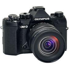 Cámara digital Olympus OM-D E-M5 Mark II sin espejo con lente 12-45mm F4 Pro
