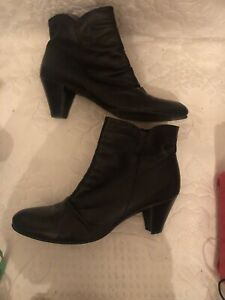 Jones the Bootmaker black leather ankle boots size 7, 40 Worn Once