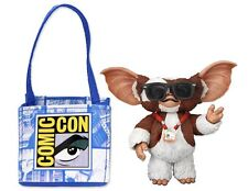 Gizmo with Badge Gremlins SDCC 2011 Exclusive Action Figur NECA