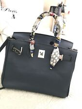 New Pebble Leather Navy Tote Small