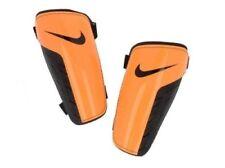 Équipements de football orange Nike