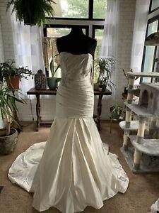 NWD LA SPOSA size 12 wedding dress read description