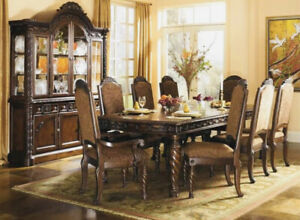 N. Shore Dining Room, Buffet & Hutch 'Pristine' ( Seats 10, Can Accommodate 12 )
