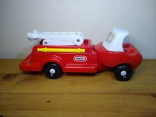 LITTLE TIKES VINTAGE FIRE TRUCK WITH LADDER