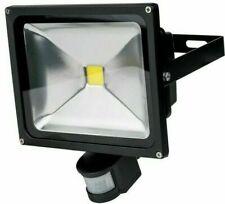 30W LED Strahler mit Bewegungsmelder schwarz 5.000 Kelvin kaltweiß 2.200 Lumen