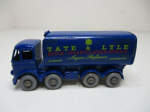 MATCHBOX 10C-1 SUGAR CONTAINER TRUCK LYLE&TATE ORIGINAL W/TOUCH-UPS, CROWN DECAL