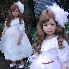 Masterpiece Dolls Allison Brunette, Blue Eyes, Monka Levenig, 44-inches