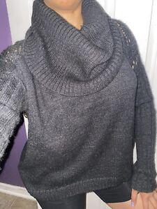 Victoria's Secret Moda Gray Pullover Crochet Shoulder Cowl Turtleneck Sweater M