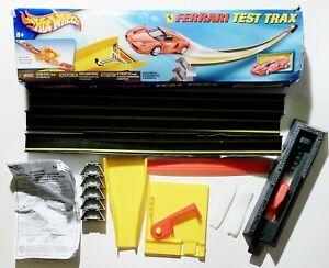 Hot Wheels - Ferrari Test Trax (Mattel, 2003) Almost Complete in Box
