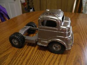 '50s Vintage Structo Pressed Metal Chrome Semi Tractor Cab