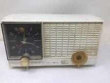 RCA Victor Plastic Ivory Cream Case Alarm Clock AM Tube Radio Model RHD10Y