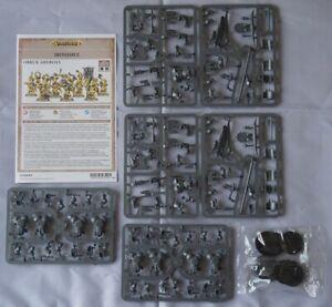 Warhammer Age of Sigmar Ironjawz Orruk Ardboys (10 Models)