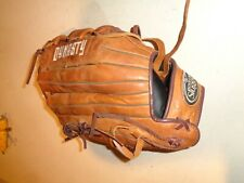 "Louisville Slugger DYRS1713 Baseball & Softball Glove, Dynasty Series, 13"", RH,"