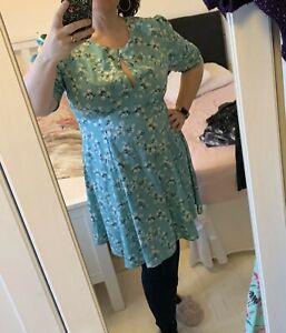 Vintage 50s style tea Dress Size 18 - 20 Bright Colourful Japanese flowers Blue