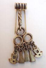 ancien bijoux broche bronze de Jeanne Peral n°8