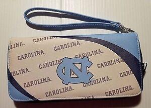 NEW North Carolina Tar Heels NCAA Curve Zip Organizer Wristlet Womens Wallet