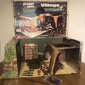 Vintage Mego Planet of the Apes Village Playset! NEAR COMPLETE!