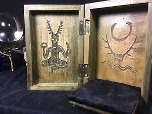 Kern Portable Travel Altar Box