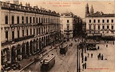CPA  Toulouse - Place du Capitole (Coté des Arcades) (582338)