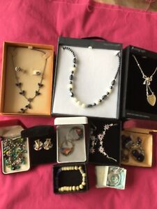JOBLOT OF COSTUME JEWELLERY - Boxes Included