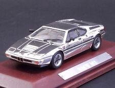 Modello Die Cast model BMW M1 SILVER/CROMO - Scala 1:43 BASE IN LEGNO