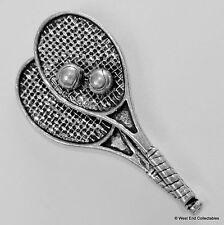 Raqueta De Tenis Y Pelota Peltre Broche Pin-British Artisan Firmado-Raqueta Tribunal