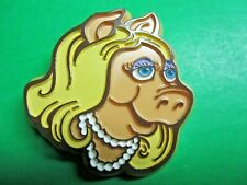 Vintage 1979 Henson Accociates Inc Muppet Miss Piggy Lapel Pin (606x)