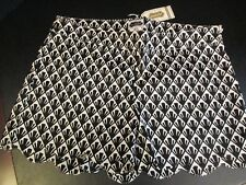Black and White Scallop Shorts by Mud Pie, Size Medium (8-10), NWT