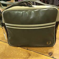 Fred Perry Classic Shoulder Bag - L1180 Iris Leaf