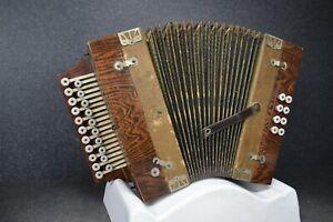 Historisches Handgebaute Harmonika #863