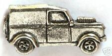 Land Rover Pewter Collectable Pin Badge NEW