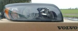 Genuine Volvo C30 Headlight Halogen 2007-2010 Right Drivers Side 31335204