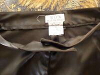 lot )noir t40 pantalon et jupe noire satinés  femme