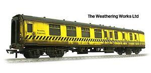 Hornby Departmental Engineers Rerailing Equipment Coach *WEATHERED LOOK* R4902