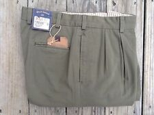 BRAND NEW Bills Khakis Olive M2 Pleated Front Vintage Twil - Size 32 - MSRP $165