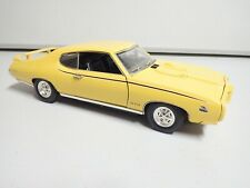 Motor Max Yellow 1969 Pontiac GTO The Judge 1:18 - Barn Find