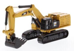 Cat Caterpillar 1:125 scale 390F L Excavator Diecast Masters 85537 Elite Series