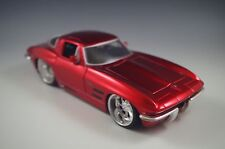 JADA 1963 VHEVROLET CORVETTE STING RAY COUPE RED METALIC DIECAST CAR 1/24 SCALE