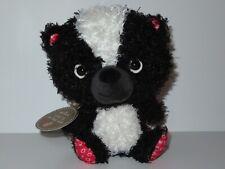 Hallmark Skunk Love Is In The Air Plush Stuffed Animal Valentine's Day XOXO Red