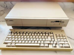 Commodore Amiga 1000 Computer with Rejuvenator Board, 2.04KS ROM, 1MB Chip RAM